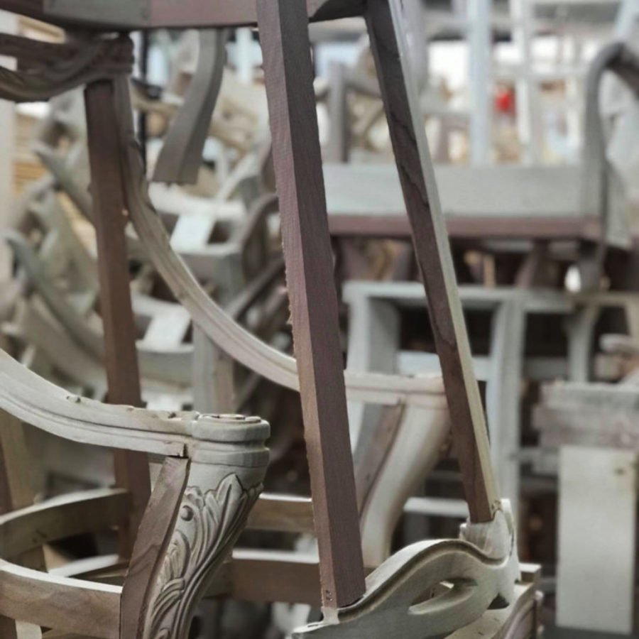 in-produzione-mobili
